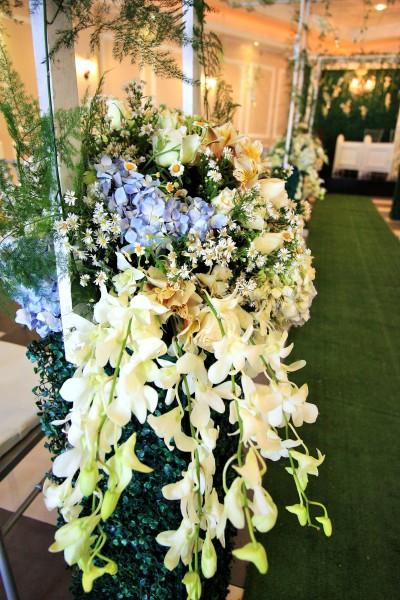 Giverny Hall Hanging Gardens